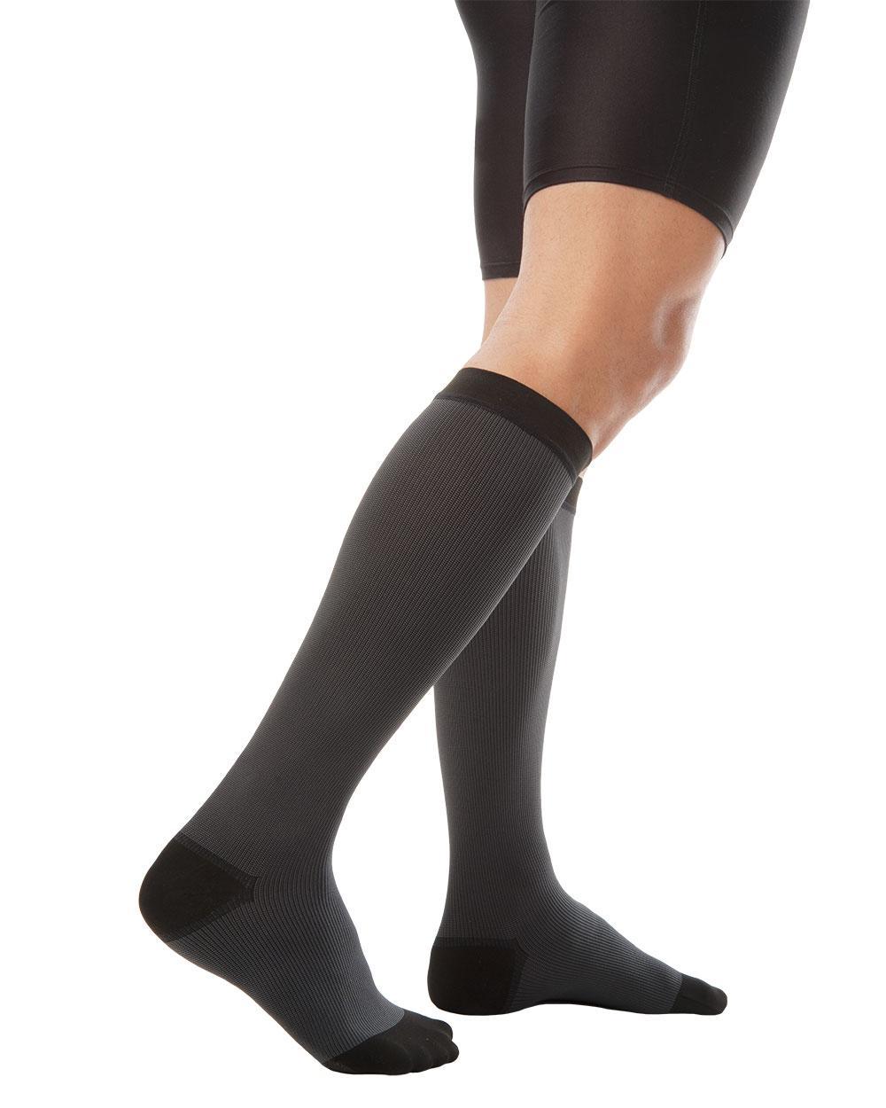 Антиварикозные чулки для мужчин 2 класса компрессии Variteks до колен с закрытым носком