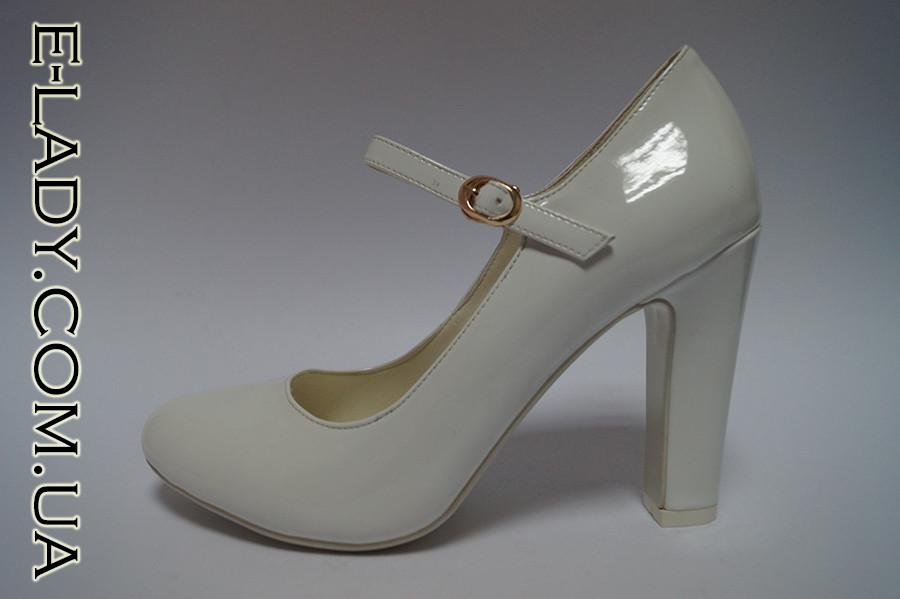 5112c84cba1b Белые лаковые туфли на устойчивом каблучке  продажа, цена в ...
