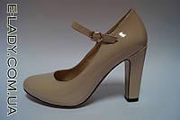 Бежевые лаковые туфли на устойчивом каблучке, фото 1