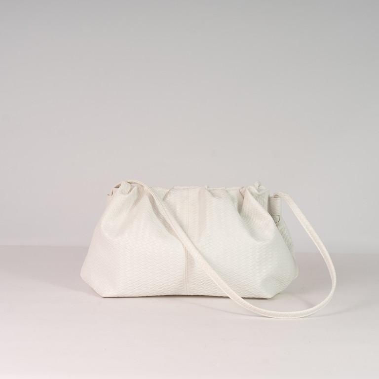 Белая сумка пельмень! Женская модная сумочка K39-20/2 на магнитах с длинной ручкой на плечо