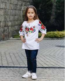 Нарядная красивая детская подростковая вышиванка для девочки