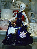 Салфетница фарфоровая девушка кобальт высота 14 см