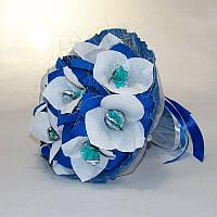 Букет из конфет бело-синие цветы 11 4147IT