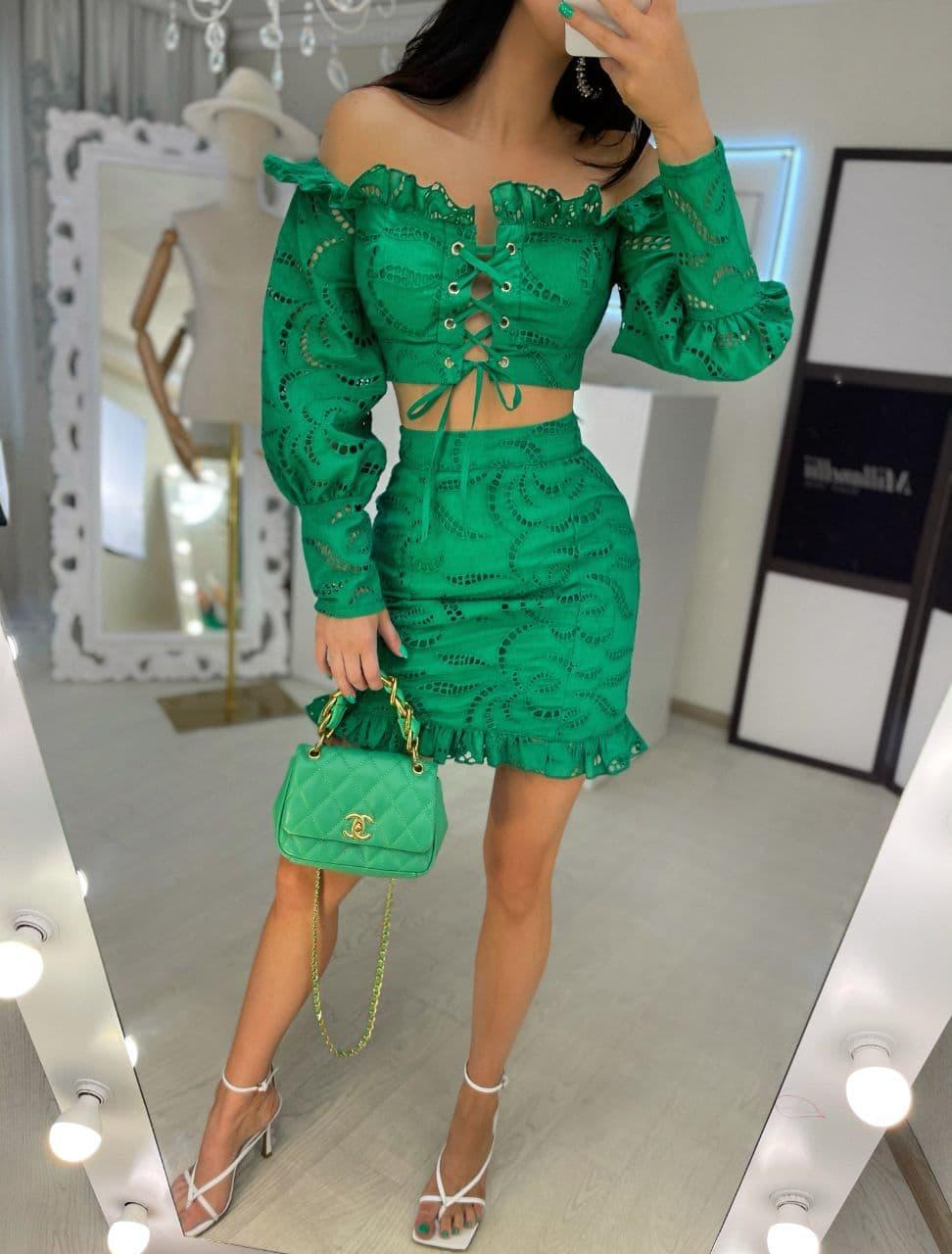 Женский зеленый летний костюм с открытыми плечами с кружевной вышивкой Green
