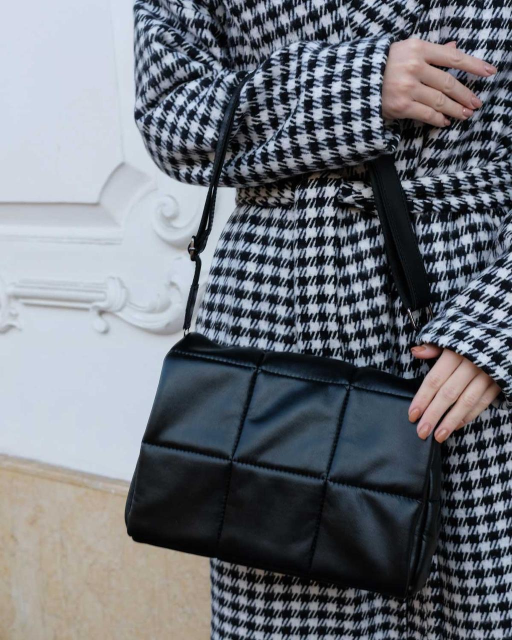 Маленькая черная сумочка женская мягкая