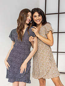 Приятное короткое летнее платье на запах в цветочный принт с V-вырезом в 5 цветах в размере S, M, L