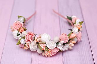 Обруч для волос / ободок на голову / украшение для волос с цветами бело-персиковый