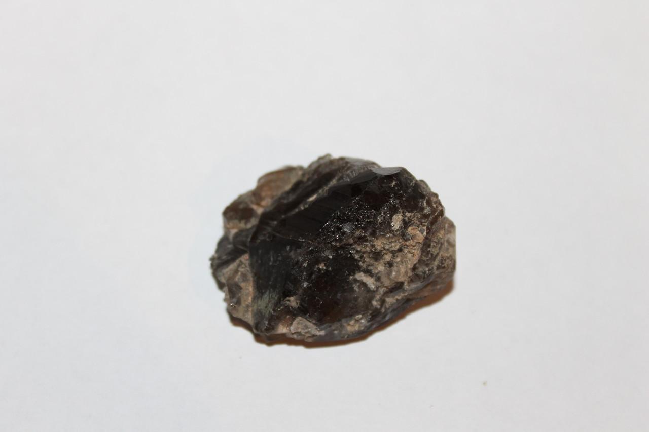 Камінь амулет - димчастий кварц (раухтопаз) 42*36*27 мм