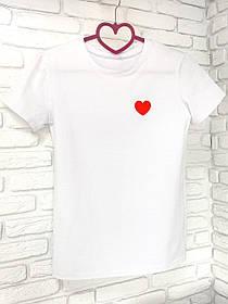 Жіноча футболка бавовна біла з принтом серце SKL59-259646