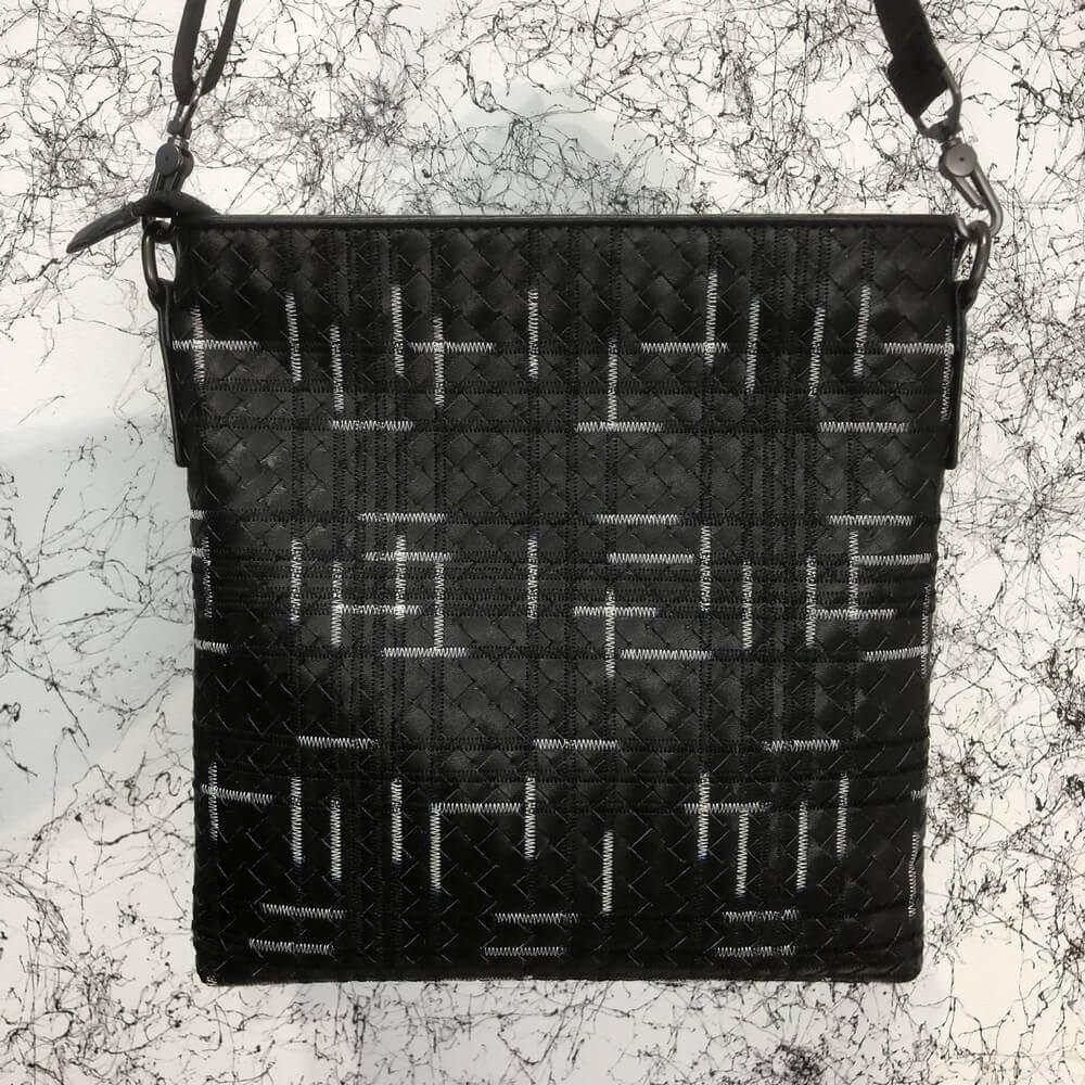 Сумка Месенджер Bottega Veneta Small Messenger Bag In Nero Multicolor Intrecciato VN