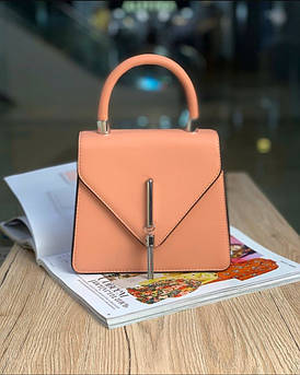 Жіноча сумка конверт пудра