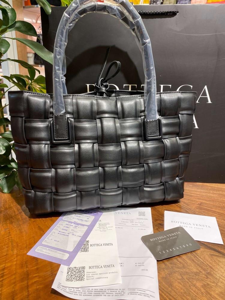 Сумка Bottega Veneta Tote Bag in Nero