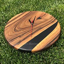 Настінний годинник з дерева та епоксидної смоли