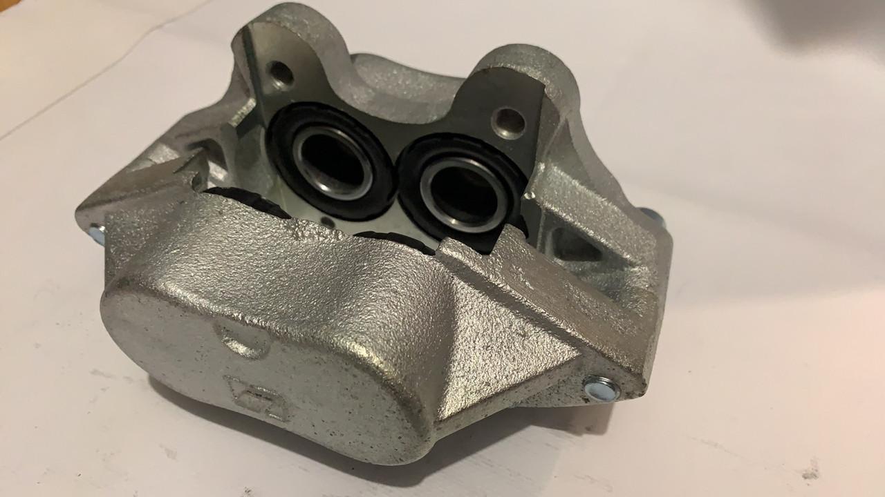 Суппорт передний правый Iveco 35-10 Е1 Convitex