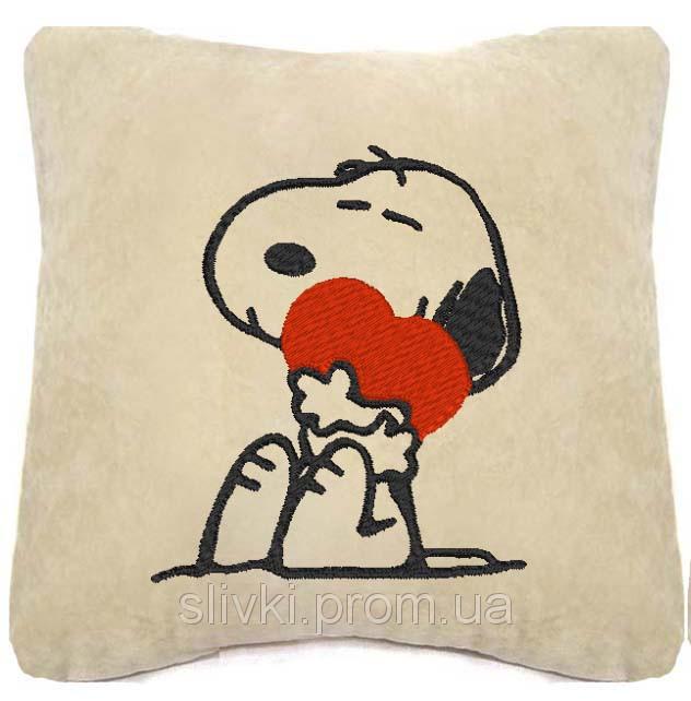 """Сувенірна подушка """"Снупі з сердечком"""" №134"""