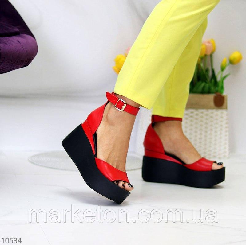 """Женские кожаные босоножки на платформе Красные """"Berry"""""""