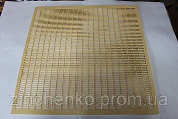 Решетка разделительная желтая  Nicot 500х500 на 12-ти рамочный улей