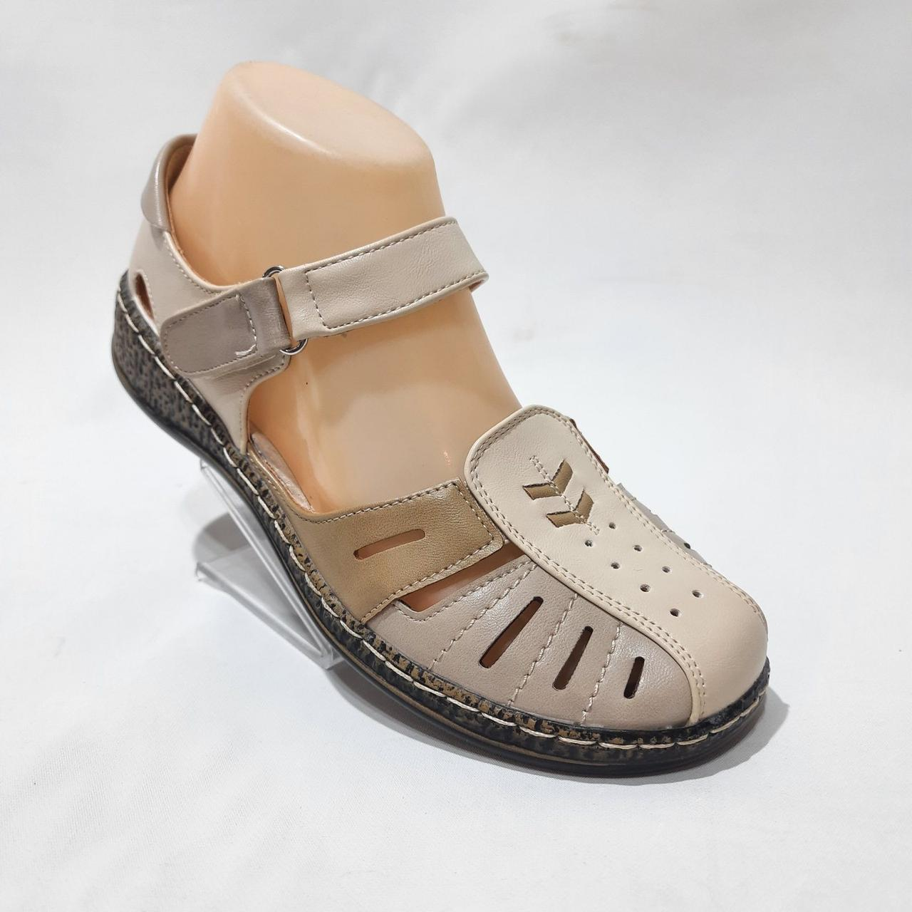 Босоніжки жіночі, сандалі з екошкіри на низькому ходу ортопедична устілка на липучках Бежеві