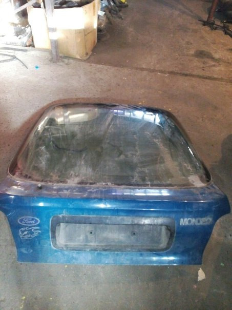 Ford Mondeo 1995 Крышка багажника