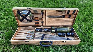 Набір з 6 шампурів для м'яса (600х10х3 мм) + комплект аксесуарів в дерев'яному кейсі
