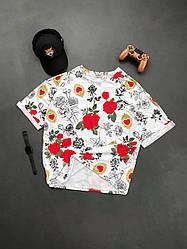 Мужская футболка белого цвета с розами