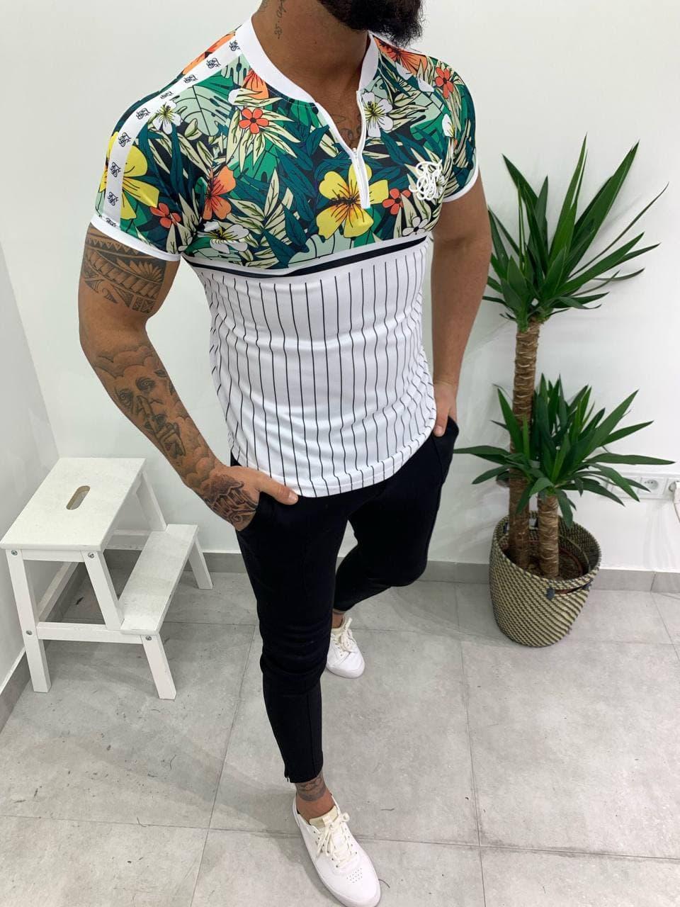 Чоловіча футболка біло-зеленого кольору з квітами