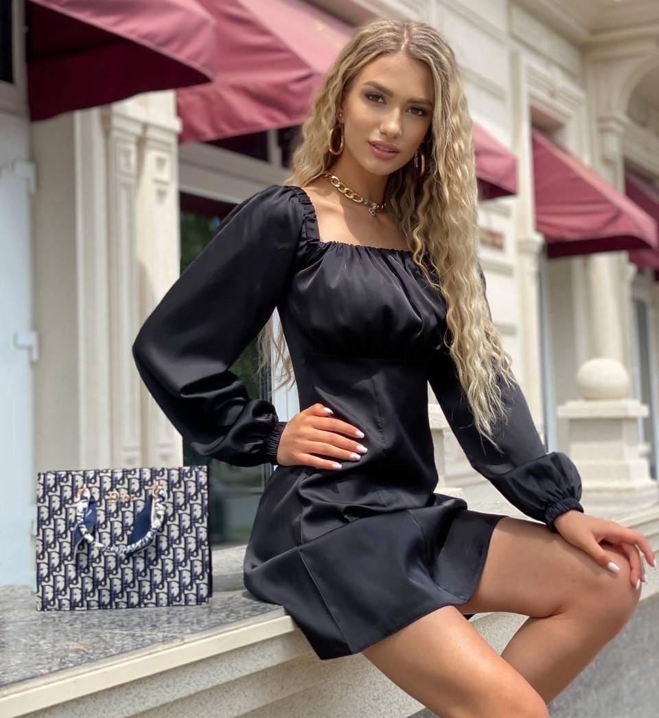 Жіноче вечірнє шовкове плаття з об'ємними рукавами