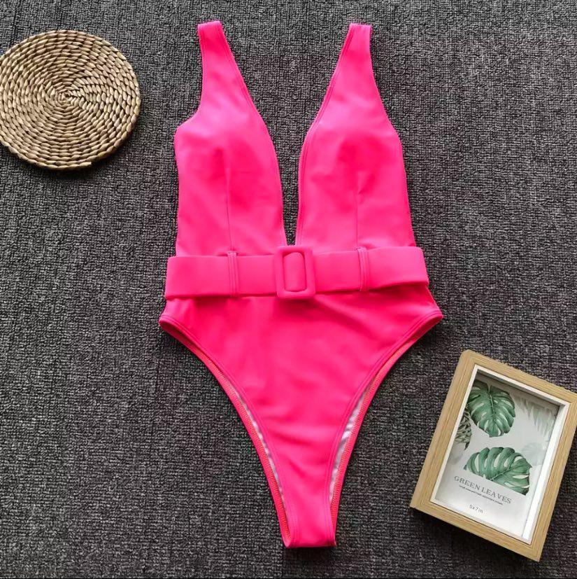 Розовый яркий сплошной купальник с декольте S, М