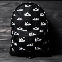 Стильний рюкзак з принтом кросівок Nike, пума, New Balance. Для подорожей, тренувань, навчання., фото 4