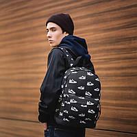 Стильний рюкзак з принтом кросівок Nike, пума, New Balance. Для подорожей, тренувань, навчання., фото 7