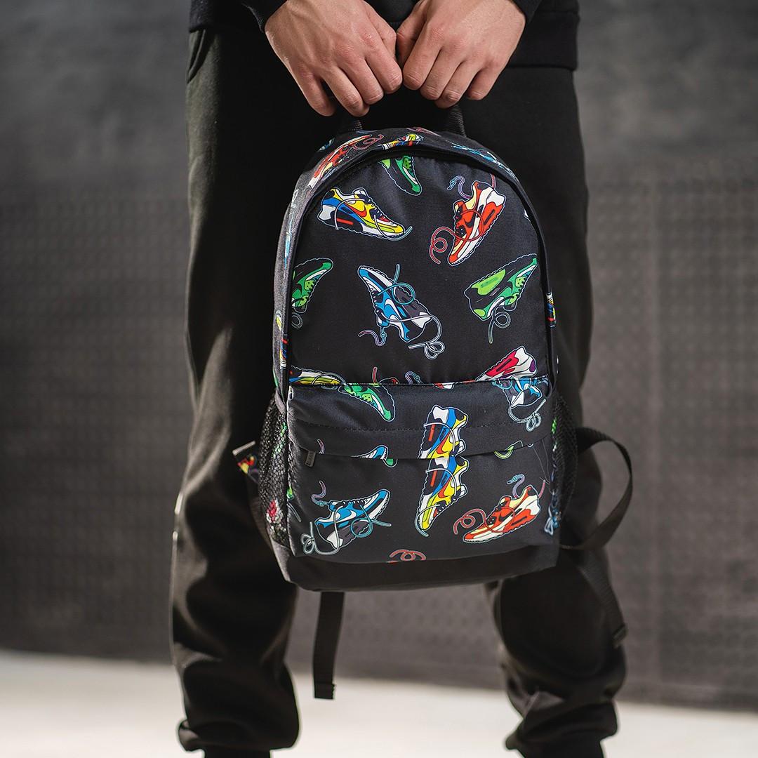 Яскравий рюкзак з принтом кросівки кольорові Air Max. Для подорожей, тренувань, навчання