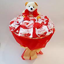 Букет из игрушки и конфет Сладкий рай подарок на день рождения ребенку / девушке