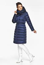 Куртка з вітрозахисною планкою жіноча колір синій оксамит модель 44860, фото 3