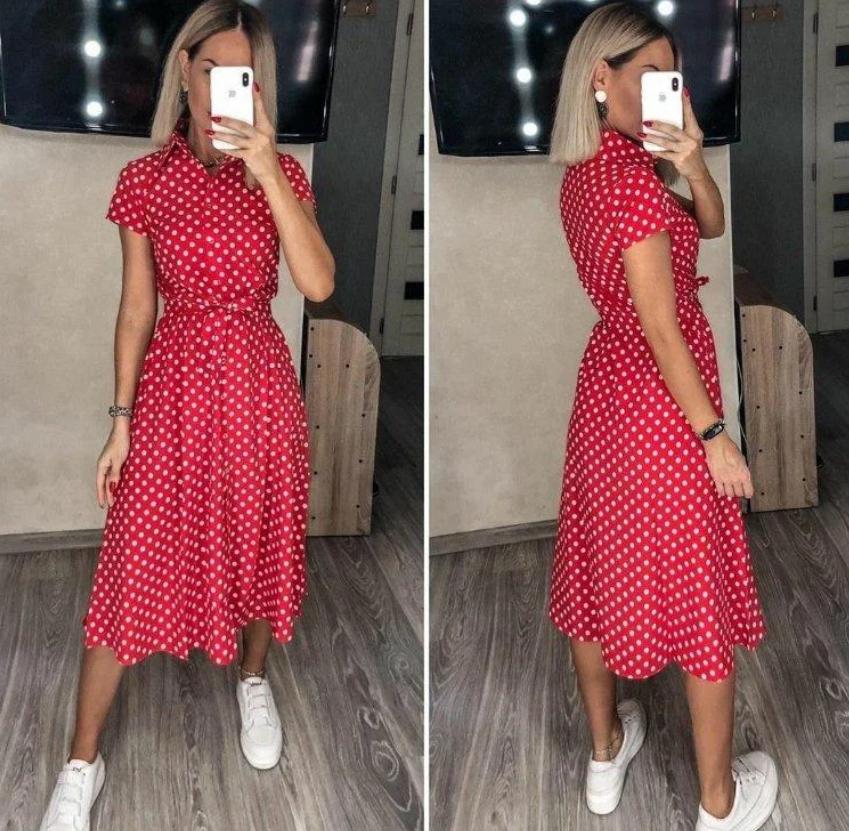 Літнє плаття в горошок червоного кольору