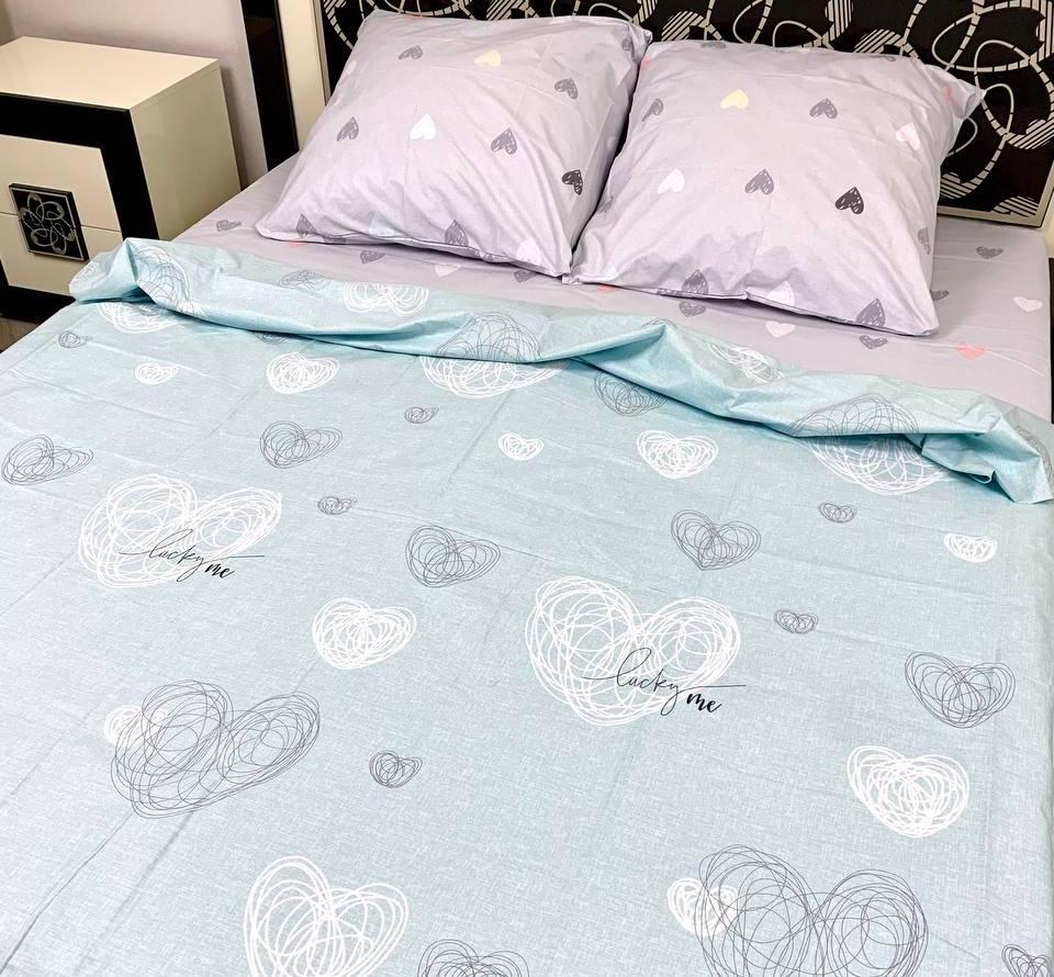 Комплект постельного белья семейный с сердечками