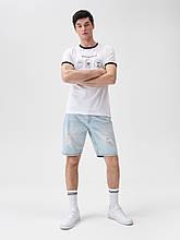 Чоловіча біла футболка з принтом