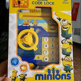 Детская электронная копилка сейф с кодовым замком и купюроприемником Миньоны