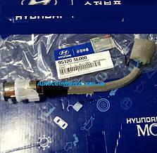 Гнездо прикуривателя Hyundai HD65, HD72, HD78 Хюндай hd (951205L000)