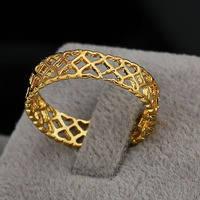 Женское кольцо с золотым напылением