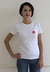 """Женская футболка с принтом """"Поцелуй"""""""