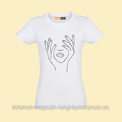 """Женская футболка с принтом """"Нежность"""""""