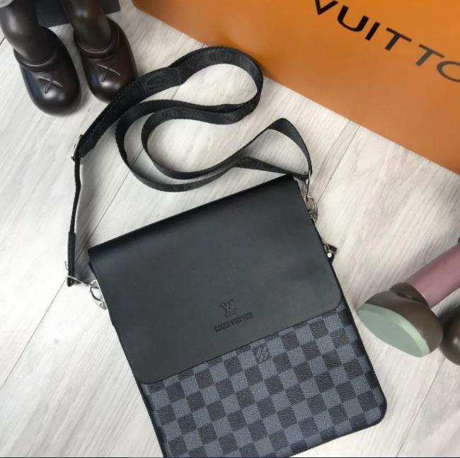 Мужская сумка через плечо Louis Vuitton черная