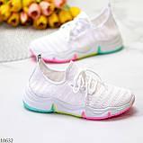 Белые тканевые текстильные женские кроссовки на подошве мультиколор, фото 2