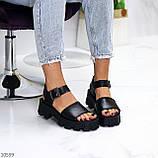 Модельные черные женские босоножки натуральная кожа на утолщенной подошве, фото 7