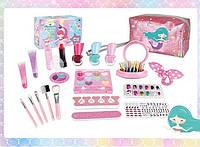 Набір дитячої безпечної косметики: сумочка з палеткою тіней 12 відтінків, помада, гребінець і набір кистей