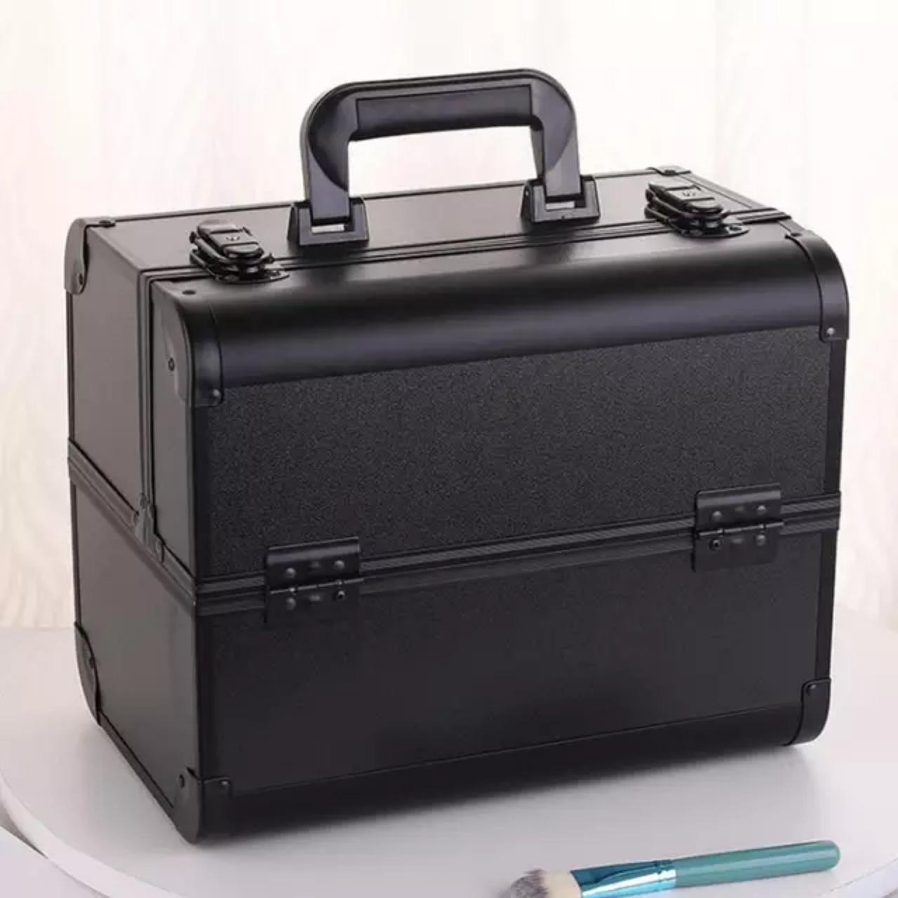 Бьюти кейс для косметики черный / сумка для мастера маникюра / чемодан для визажиста