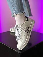 Женские кроссовки. Женские трендовые кроссы белые Adidas Stan Smith White Black Mickey Mouse.