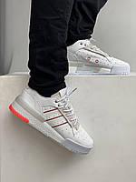 Мужские кроссовки Адидас Риволри. Белые с бежевым кроссы для мужчин Adidas Rivalry RM White Red.