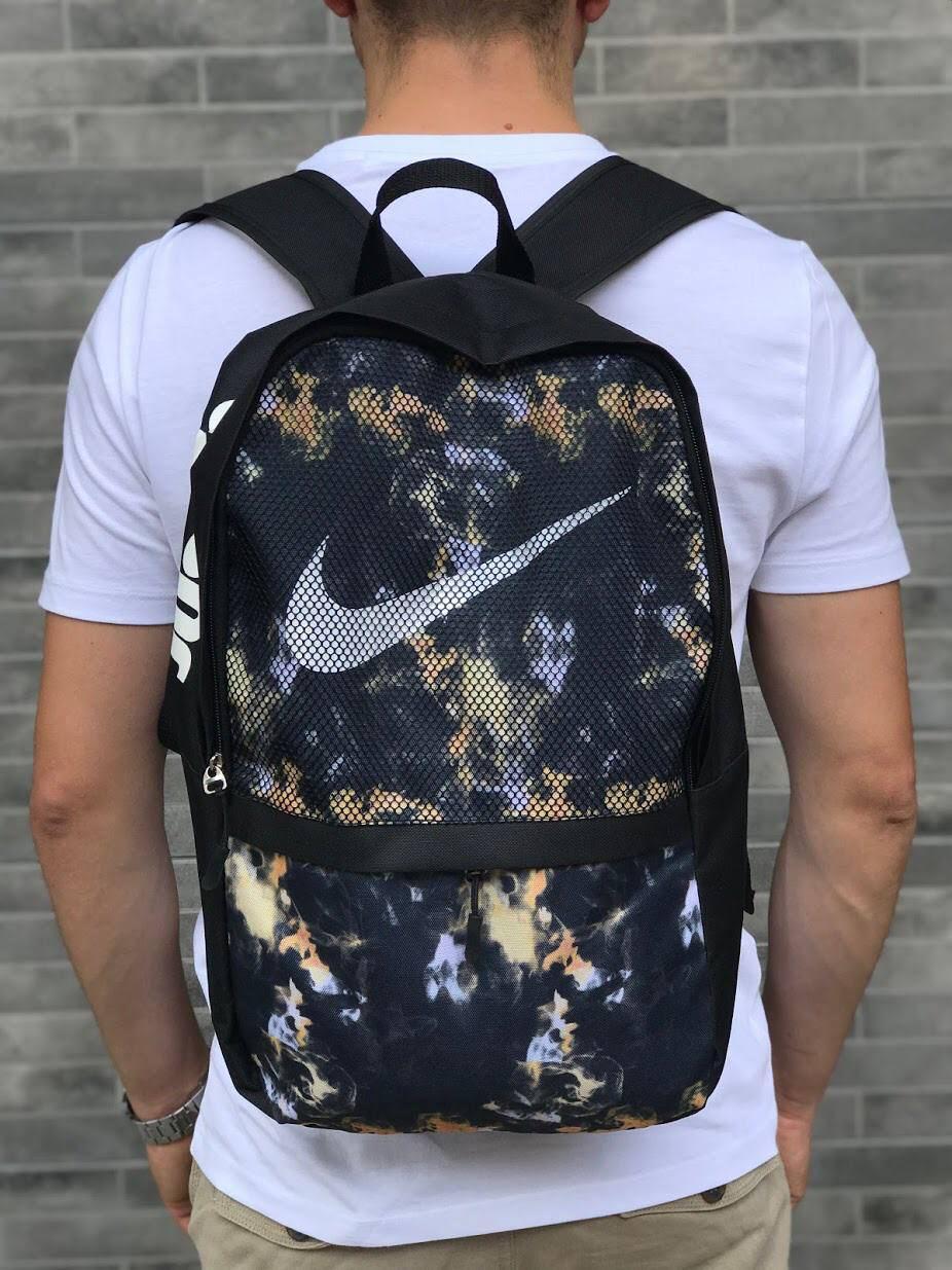 Рюкзак спортивный Nike с принтом. Городской вместительный рюкзак Найк с модным принтом.