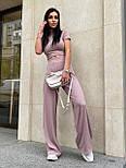 Жіночий брючний костюм з брюками-кльош і укороченою футболкою з трикотажу рубчик (р. 40-46) 22101893, фото 10